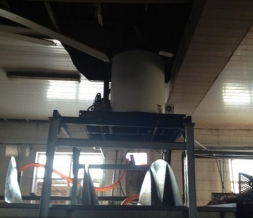 Matching use of spiral pre-cooling machine and flake ice machine